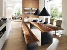 Modern, kraftvoll und ökologisch- Massivholzmöbel Hersteller Anrei ergänzt STAMM-Tisch um eine Kolle