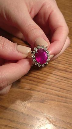 Headpiece Jewelry, Jewellery Rings, Ruby Jewelry, Gemstone Jewelry, Gold Ring Designs, Gold Jewellery Design, Ruby Necklace, White Gold Diamonds, Beautiful Rings