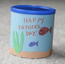 Tin Can Pencil Holder:  Cover a tin can with construction paper and decorate with DAD's favorite hobby. Happy Father's Day