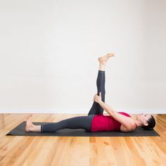 Who Needs a Yoga Mat When You Can Do Yoga in Bed?: Stretching has a way of melting away stress and worry, but there's no need to unroll your yoga mat. Back Stretching, Low Back Stretches, Hamstring Stretches, Stretching Exercises, Tight Hamstrings, Tight Hips, Glutes, Quad Stretch, Morning Stretches