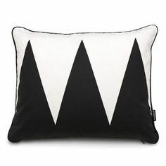 Vivi cushion - black/vanilla - Pappelina