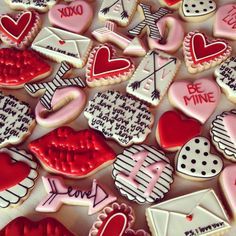 My fave to make! Amish Sugar Cookies, Valentine's Day Sugar Cookies, Sugar Cookie Royal Icing, Fancy Cookies, Heart Cookies, Iced Cookies, Cute Cookies, Cookies Et Biscuits, Holiday Cookies