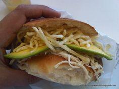 Sandwich peruano de Pollo Deshilachado