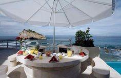 Quiet Retreat With An Impressive Design in Mexico Villa Paraiso (1)