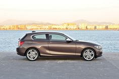 New #BMW 1-Series Three-Door Hatchback #116d - Most fuel efficient model of the range is the 116d EfficientDynamics Edition featuring a 1.6-liter turbocharged four-cylinder diesel rated at 114hp (116PS) at 4,000rpm and 260Nm between 1,750-2,500rpm, linked to a six-speed manual gearbox driving the rear wheels.    It comes equipped with a start / stop system, electric power steering, automatic air flap control, optimized rear differential and suspension, and tires with reduced rolling…