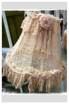 Cheese cloth making these for the upstairs bed room. Rose Shabby Chic, Shabby Chic Lamp Shades, Estilo Shabby Chic, Shabby Chic Decor, Lampshade Redo, Lace Lampshade, Lampshade Ideas, Lamp Ideas, Vintage Lampshades