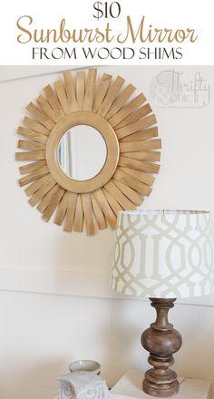 DIY Sunburst Espejo por $ 10, hizo uso de cuñas de madera de la ferretería!