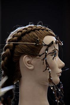 Konkurrerer i smykkekunst - Bergens Tidende Crown, Jewelry, Fashion, Moda, Corona, Bijoux, Jewlery, Fasion, Jewels