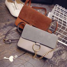 Schultertasche mit Metallring-Detail clutch Handtasche