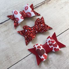 Valentine's Day Baby Hair Clips / Toddler Hair Clip / Toddler Hair Bow / Baby Bow / Bow for Valentines's Day / Heart Baby Hair Clip - Excited to share this item from my shop: Valentine's Day Baby Hair Clips / Toddler Hair Cli - Toddler Hair Clips, Baby Hair Clips, Baby Headbands, Handmade Hair Bows, Diy Hair Bows, Valentines Day Baby, Making Hair Bows, Bow Making, Diy Hair Accessories