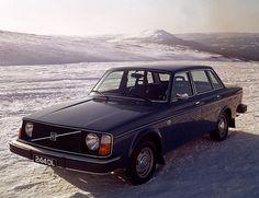 Öppna snölandskap med Volvo 244. #VintageVolvo #MadeBySweden