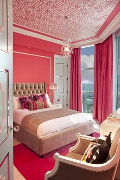 Bright Pink Decoration in Small Bedroom Ideas