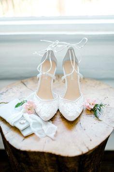 A Romantic Hilltop Wedding at Saddlerock Ranch in Malibu - bride shoes wedding Trendy Wedding, Perfect Wedding, Dream Wedding, Bride Shoes, Wedding Shoes, Wedding Hair, Bridal Hair, Bridal Makeup, Wedding Stuff