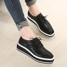 cool Shoespie Solid Color Lace-up Decoration Sneaker