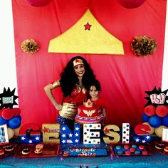 Bizcocho wonder woman superheroes cake wonder woman for Decoracion wonder woman