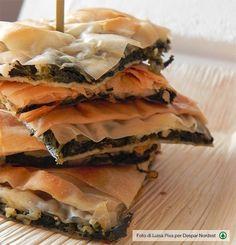 Torta di pasta fillo con erbette di campo e feta - Despar Tribù