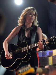 jennifer nettles memorial day concert