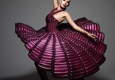 Balloons. I mean, OMG, this dress is made out of BALLOONS!
