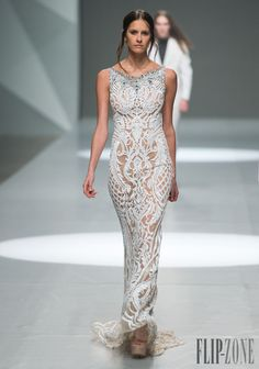 Michael Cinco Spring-summer 2015 - Ready-to-Wear - http://www.flip-zone.net/fashion/ready-to-wear/independant-designers/michael-cinco-5194