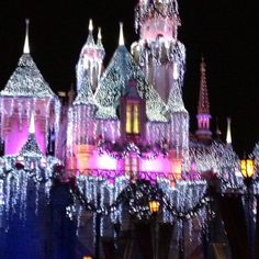 Disneyland at Christmas time. Can't wait! FROM: http://media-cache-ak0.pinimg.com/originals/7c/d8/10/7cd810fd3e300414d5046da674570419.jpg