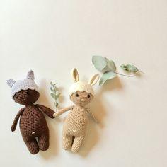 Ne sont-ils pas adorables avec leur petit nombril ces petits poupons crochetés ?  Découvrez le tuto ici : http://makeri.st/tuto-poupons-crochet