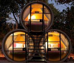 Totalmente tubular, TubeHotel, no México, oferece acomodações em tubos de concreto reciclado...