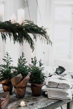 holiday home decor. - Beautiful holiday home decor. -Beautiful holiday home decor. - Beautiful holiday home decor. Scandi Christmas, Mini Christmas Tree, Farmhouse Christmas Decor, Christmas Mood, Simple Christmas, Christmas Wreaths, Holiday Decor, Christmas Tree Ideas For Small Spaces, Xmas