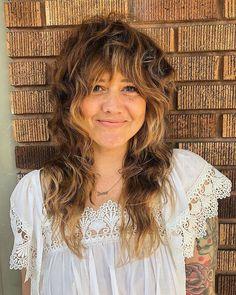 Womens New Long Shag Haircuts In 2020 14 Cute Shag Haircut Ideas for Any Length — Shag Hair Trend Curly Shag Haircut, Modern Shag Haircut, Medium Shag Haircuts, Shaggy Haircuts, Shag Hair Cut, Thick Curly Haircuts, 70s Haircuts, Long Shag Hairstyles, Beach Hairstyles