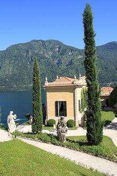 Villa del Balbianello gardens