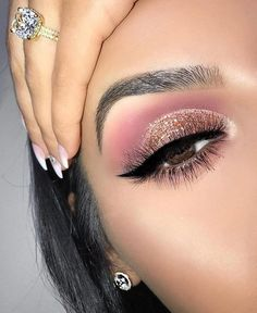 41 top rose gold makeup ideas that look like a goddess - rose gold eyes . - 41 top rose gold makeup ideas that look like a goddess – rose gold eye makeup, natural makeup, we - Rose Gold Eyeshadow, Rose Gold Makeup, Glitter Eye Makeup, Eyeshadow Looks, Eyeshadow Makeup, Eyeshadow Ideas, Lace Makeup, Gold Makeup Looks, Flawless Makeup