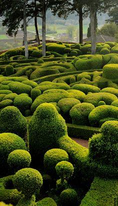 Les jardins suspendus de Marqueyssac, Dordogne, France. Sur son éperon rocheux, le jardin le plus visité du Périgord offre un des plus beaux panoramas de la région.