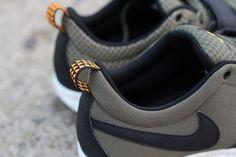 huge selection of 87fc5 8a9e5 Nike SB Trainerendor Olive - Orange details