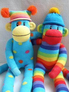 I'm looking for all kinds of sock monkeys for Keyston's 1st birthday and would love to have some like this!