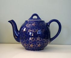 Hall Teapot Cobalt Blue and Gold--would fit in very nicely with my other Hall teapots