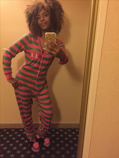 """I'm """"Pretty"""" ready for a good night's rest. But first let me take a selfie in my oh so """"Pretty"""" pink & green pajamas. Thank you @zoeticcouture!!! #GoodNight#AKASleepingPRETTY #Pink&GreenPajamas #PearlsOnDeck #LoveMyAKA#AKA1908 #Zoeticcouture"""