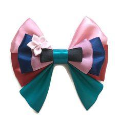 Mulan Disney Inspired Character Hair Bow by emporiumonmain on Etsy Disney Hair Bows, Diy Disney Ears, Disney Mickey Ears, Disney Diy, Minnie Mouse, Disney Crafts, Mouse Ears, Disney Frozen, Princess Hair Bows