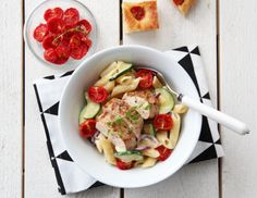 Kremet pasta med kylling, hvit Castello og bakte tomater Frisk, Kung Pao Chicken, Pasta Recipes, Squash, Potato Salad, Potatoes, Meat, Ethnic Recipes, Food
