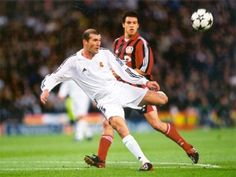 Champions League Final 2002. Glasgow. Real Madrid-Bayer Leverkusen. Zidane, Real player, scores a wonderful goal, a volley hit with his weaker foot. That was the match-winning goal.