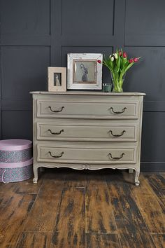 With it's simply stunning curved front, this French chest of drawers will make a beautiful addition to any bedroom. We've painted in Annie Sloan Paris Grey with Paloma edging and inner drawers, lightly distressed and aged with dark wax. http://www.thetreasuretrove.co.uk/bedroom-storage/paris-grey-curve-fronted-chest-of-drawers