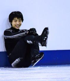 Yuzuru Hanyu( ´▽`) Miyagi, Sendai, Ice Skating, Figure Skating, Yuzuru Hanyu Pooh, Pretty People, Beautiful People, Nathan Chen, Bts Boys