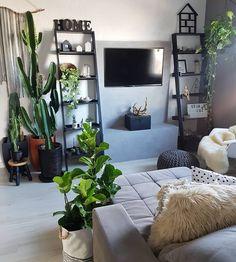 80.5 mil seguidores, 1,370 seguindo, 831 publicações - Veja as fotos e vídeos do Instagram de Casa dos Fundos (@casa_dos_fundos) Living Room Green, Peaceful Places, Landscaping, 1, Couch, Urban, Furniture, Instagram, Design