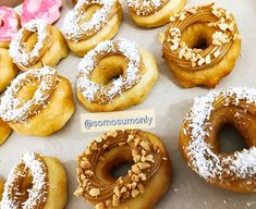 @somosumonly mais detalhes dessas gostosuras para vocês ! #donuts #donut #coffebreak #boanoite gourmet #doces Donuts, Doughnut, Desserts, Food, Gourmet, Meal, Beignets, Deserts, Essen