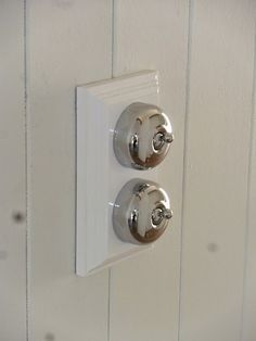 Renovating a Queenslander. Chrome traditional light switch on a timber gang. Maybe in a brushed Crome though Vintage Light Switches, Queenslander House, Cedar Homes, Welcome To My House, Light Fittings, Light Fixtures, Traditional Lighting, Australian Homes, Home Renovation