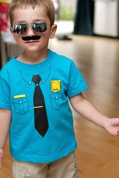 Police Birthday Party for 4 Year Old Boy - Family Review Guide                                                                                                                                                      Más