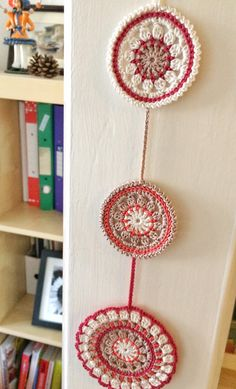 Nectarine and pomegranate mandala crochet wall pendant Lace Patterns, Color Patterns, Crochet Patterns, Mandala Crochet, Crochet Lace, Coasters, Crochet Accessories, Pomegranate, Doilies