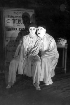 Famous French actor and playwright Sacha Guitry and his wife Yvonne Printemps pose in their costumes for the stage play 'Debureau' at the Sarah Bernhardt Theatre in Paris