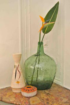 Antique Glass Bottles, Malaga, Decoration, Bar Cart, Vintage Decor, Wicker Baskets, French Vintage, Crates, Glass Vase