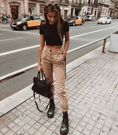 trendy outfits for summer \ trendy outfits ; trendy outfits for school ; trendy outfits for summer ; trendy outfits for women ; trendy outfits for fall ; Hogwarts Outfit, Cute Teen Outfits, Outfits For Teens, College Outfits, Office Outfits, Spring School Outfits, Trendy Winter Outfits, August Outfits, Sporty Summer Outfits