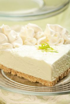 Authentic Key Lime Pie Recipe - I added 3 egg yokes and it came out perfect. Very nice recipe! Key West Key Lime Pie Recipe, Authentic Key Lime Pie Recipe, Lime Desserts, Just Desserts, Delicious Desserts, Yummy Food, Delicious Dishes, Healthy Desserts, Lime Recipes