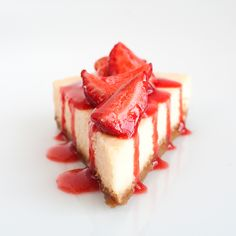 strawberry cheesecake recipe from http://www.flagrantedelicia.com/sobremesas-de-colher-pudins-e-souffles/cheesecakedo-outro-mundo/#